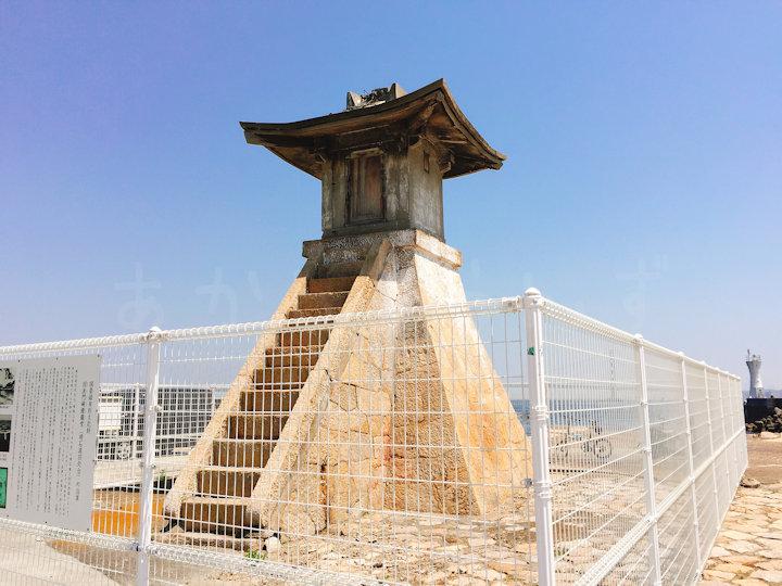 旧波門崎灯籠堂(明石港旧灯台)