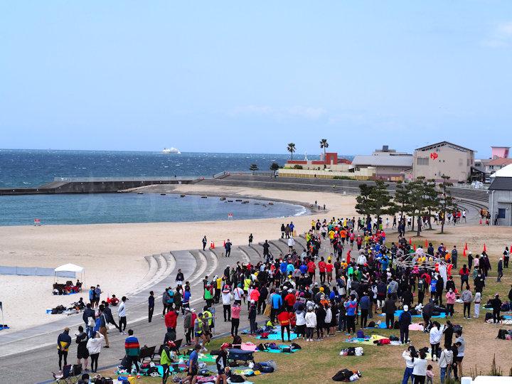 アモーレ♡明石大蔵海岸 リレーマラソン2021の様子