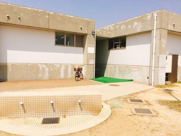 ZAZAZA東側のトイレ