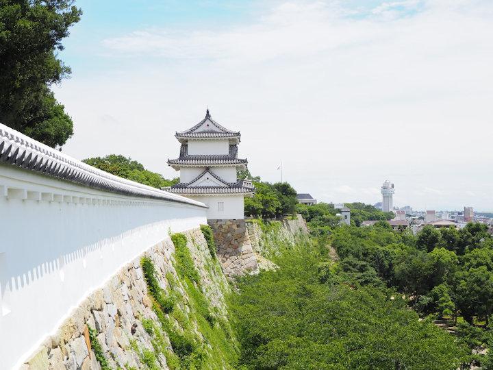 坤櫓から巽櫓を臨む風景