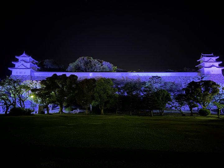 明石城のブルーライトアップ